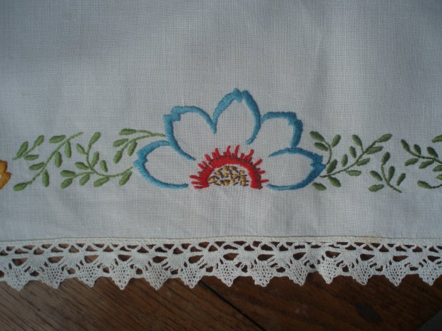 vintage table cloth with lace edge