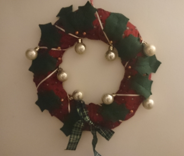 Christmas wreath pattern by Amanda Jane Ogden   on Etsy