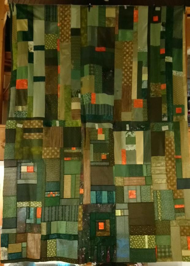 Green quilt top.JPG